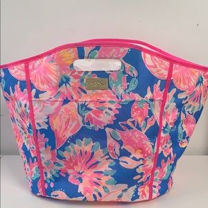 Lilly Pulitzer blue bay dreaming beverage tote